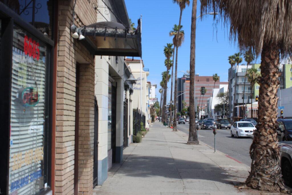6685 Sunset Boulevard